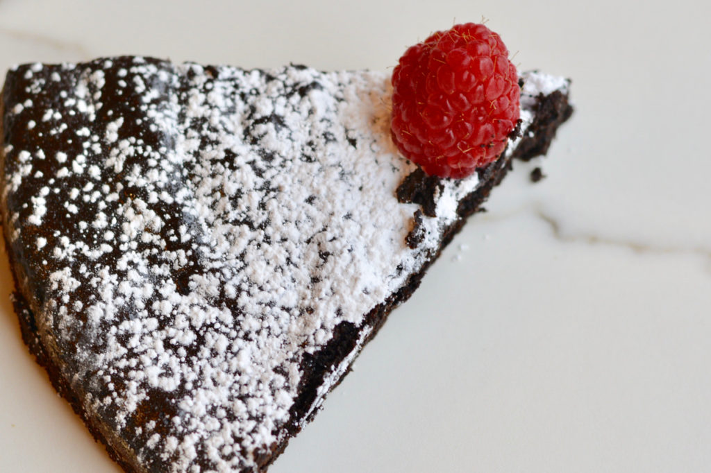 Flourless low-sugar chocolate cake that actually tastes amazing. Top it with berries or powdered sugar.