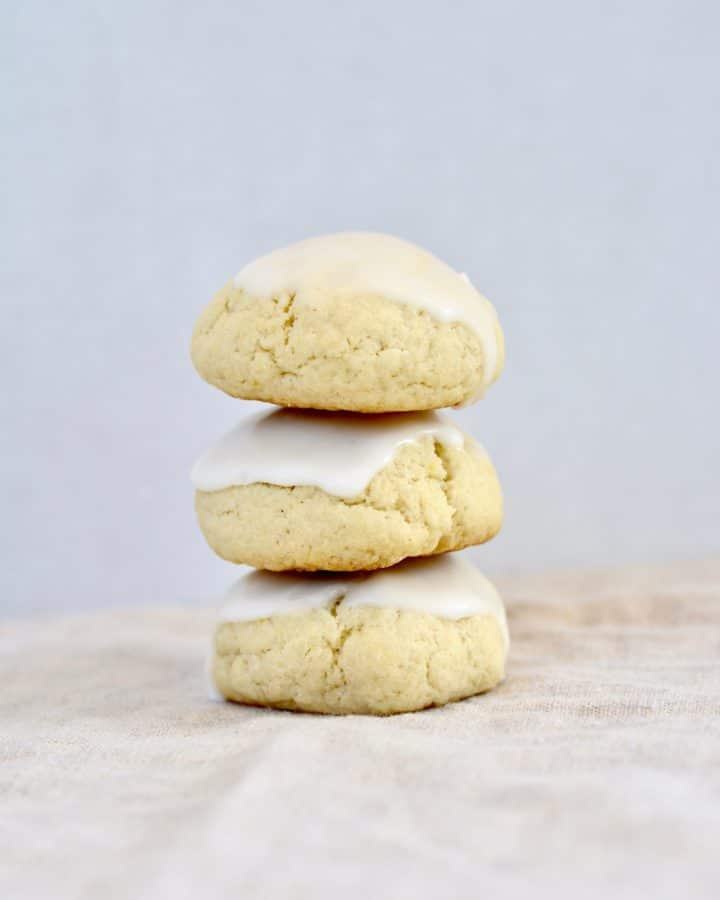 Almond Cake Cookies - Soft cookies with a hint of almond and lemon. Perfect for spring and summer. Comes together quick and easy!